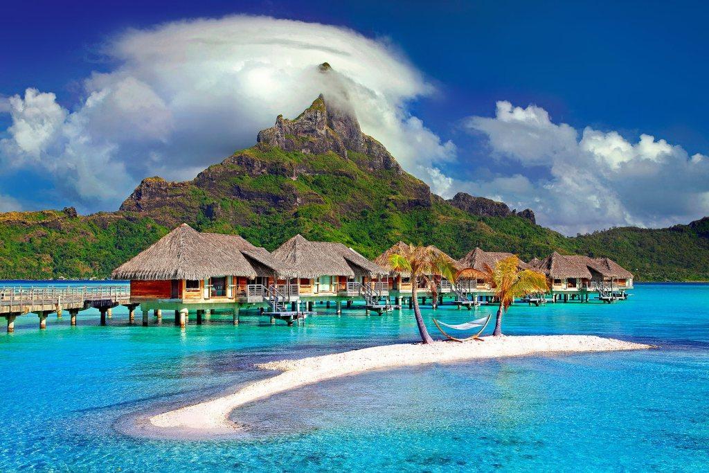 جزيرة بورا بورا أشهر جزر سياحية قد تزورها لقضاء شهر العسل Bora Bora