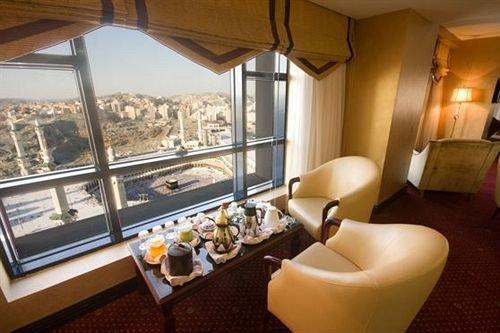 عمرة المولد النبوى الشريف برنامج ( 9 ليلة - 10 ايام )  فندق الصفوة رويال. فندق الايمان رويال