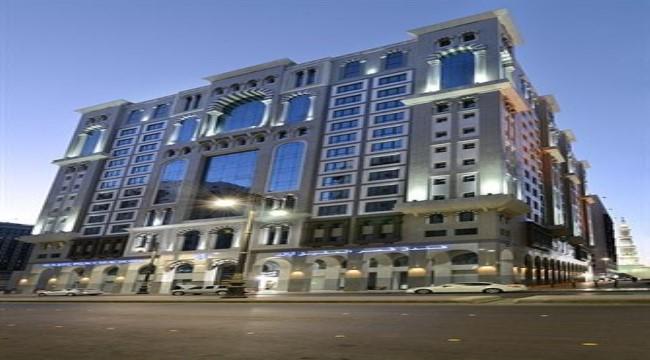 عمرة اجازه نصف العام 15 يوم / 14 ليلة 7 ليالي فيرمونت مكة برج الساعة (بالافطار) - 7 ليالي فندق ميلينيوم العقيق (بالافطار)