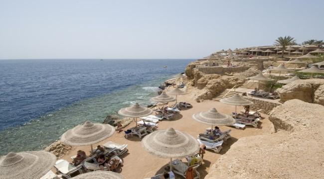 Dreams Beach Resort  ***