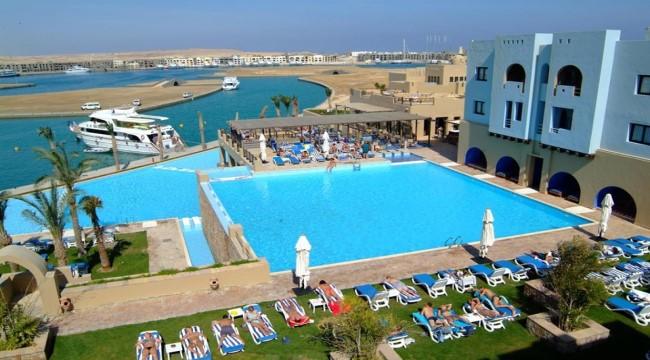 فندق مارينا لودج بورت غالب 4 نجوم صف اول علي البحيرة بقلب بورتو غالب  5 ايام و4 ليالي.