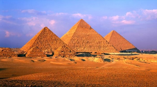 Pyramids of Giza Tour