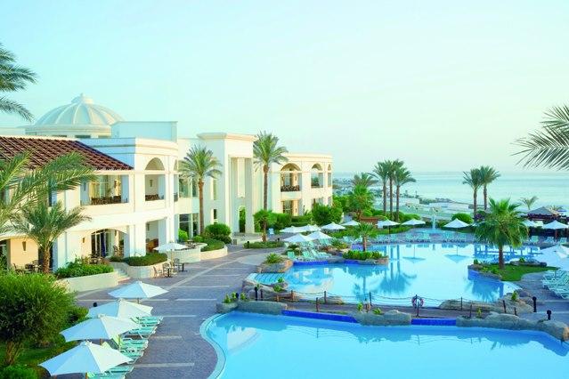 فندق رنيسانس جولدن فيو شرم الشيخ  5 نجوم ديلوكس - صف اول على البحر 3 ليالى / 4 ايام اقامه كامله